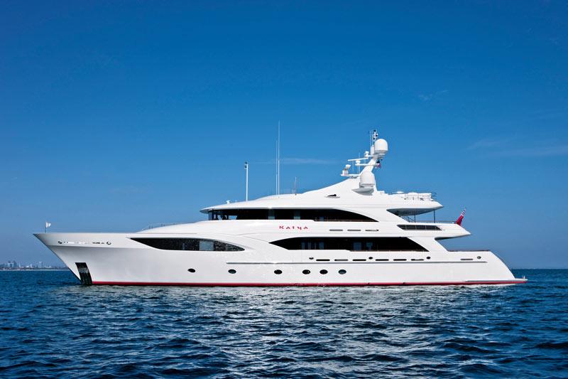 Ocean Alexander 120′